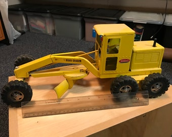 Tonka Truck  Classic Road Grater  Original Played with Condition  Works well  Blade and Wheels Pivot