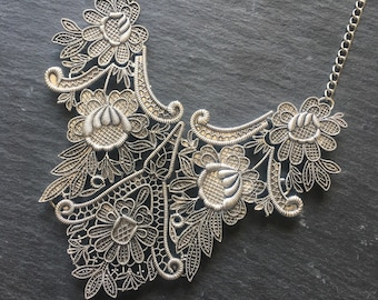 Vintage style, lace effect bib necklace in silver