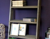 Bookcase made of solid wood - Colour Brown - Dimensions (HxWxD) 100 cm x 50 cm x 15 cm - This bookcase embellishes every home.