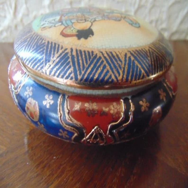 Jewelry box Japanese Satsuma early 20th century Japan cracked earthenware