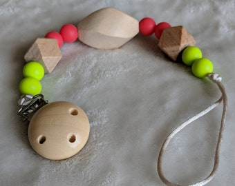 Silicone pacifier teething clip. Silicone Beads, Natural Wood Beads,  Satin cord