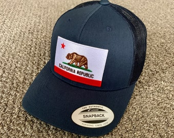 Red Star Grizzly Bear Hat California Republic State Flag Symbol Embroidered Cuffed Beanie Unique CA Lover Winter Cap Embroidery Gift