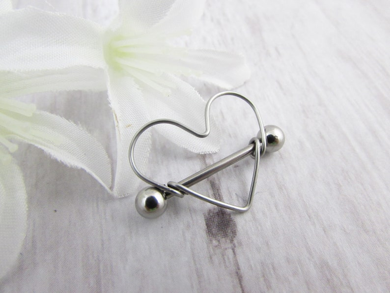 Heart Nipple Ring Valentine/'s Gift Gift for Her 16g Minimalist Heart Frame Nipple Shield traight Barbell 316L Stainless Steel