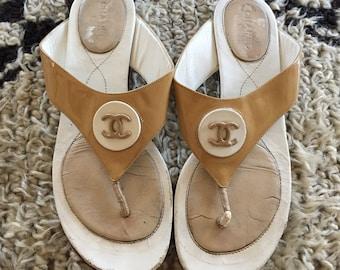78cf50ec982fa4 Vintage CHANEL CC Logos Beige White Patent leather Thongs Mules Sandals  Flip Flops Slides Slip On Flats eu 38 us 7 - 7.5