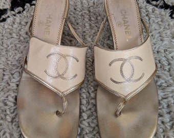 de470e655 Vintage CHANEL Huge CC Logo Gold Leather Slip on Thongs Mules Sandals eu 38  us 7 7.5