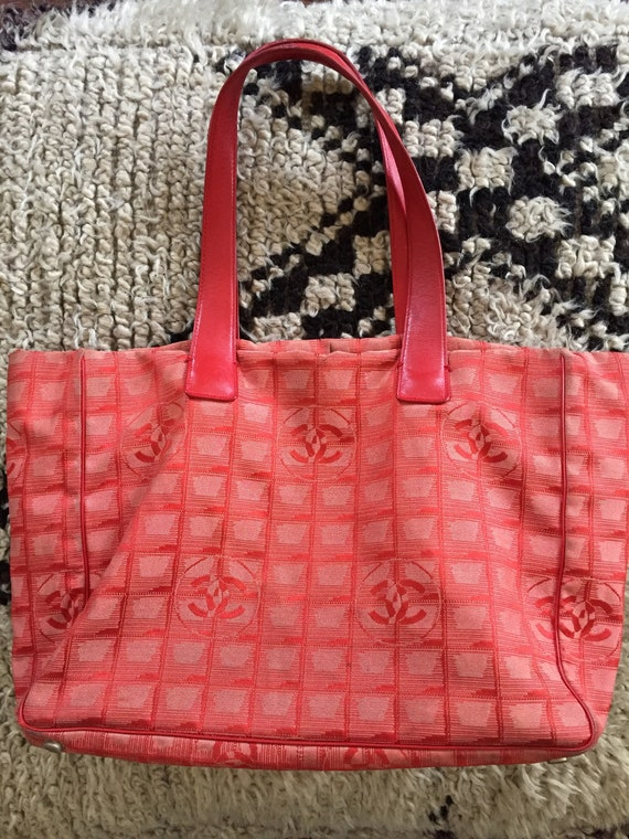 f211a70647b2 Vintage 90 s CHANEL Red monogram CC Logo Sport Bag