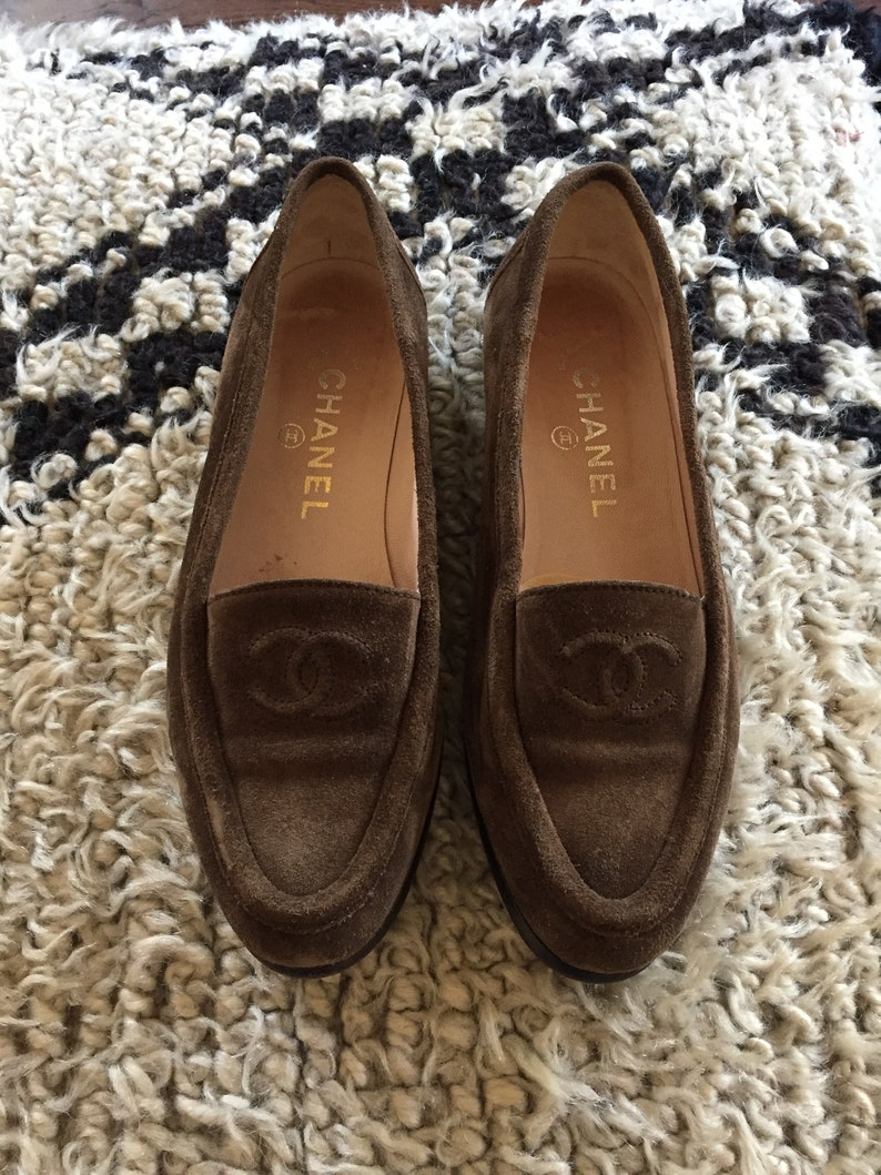 06f017c2fc9d Vintage CHANEL CC Logo Brown Tan Suede Leather Loafers Flats | Etsy