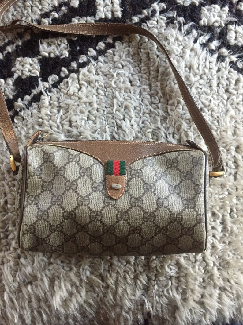 d6b3e4898980 Vintage GUCCI GG Monogram Brown Red Supreme Sherry Line Camera Bag Leather  Cross... Vintage GUCCI GG Monogram Brown Red Supreme Sherry Line Camera Bag  ...