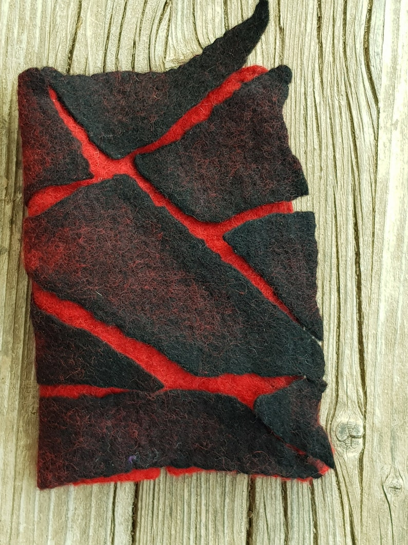 Coin Purse Felted Purse Cracked Red and Black Purse OOAK Wallet Handmade Felted Wallet Free-Shipping