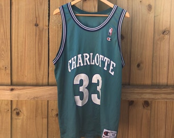 2c130d9f7174 Vintage Alonzo Mourning Charlotte Hornets  33 Champion Jersey Mens 48 XL