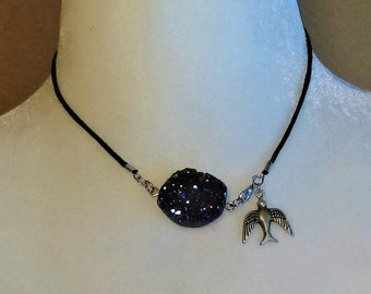 Geode Sparrow Necklace