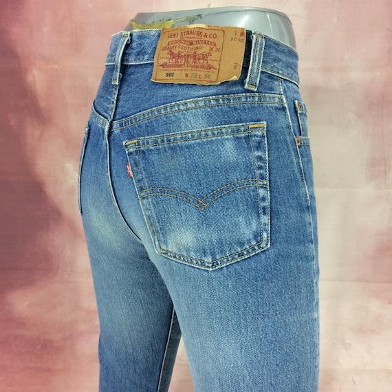 Sz 26 Vintage Levis 501 Women's Jeans Medium Wash