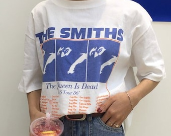2765acc6 The Smiths The Queen is Dead US Tour 86 T-Shirt / Unisex Tee / White / One  Size
