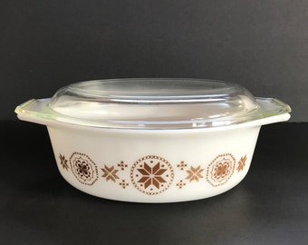 Vintage Pyrex 1 1/2 Quart Casserole Dish with Glass Lid, Town and Country Brown, 1960s Kitchen Decor, Gift for Her, Collectible Pyrex