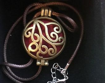 "Aromatherapy essential oil diffuser necklace ""Bronze Go In Love"""