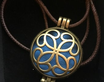"""aromatherapy essential oil diffuser necklace """"Bronze Celtic"""""""