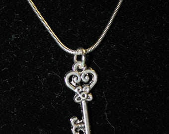 """20"""" Stainless Steel Necklace with Key Charm"""