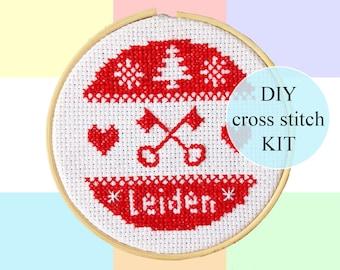 "Winter in Leiden cross stitch DIY KIT | 10cm / 4""| complete package | Dutch culture pixel art | Heritage |  Christmas ornament"