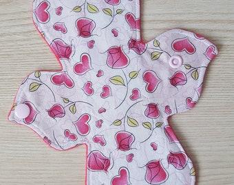 "8"" Roses & Hearts Light Cloth Pad"