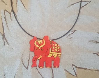 pendant necklace, Elephant craft wood with handmade drawing.