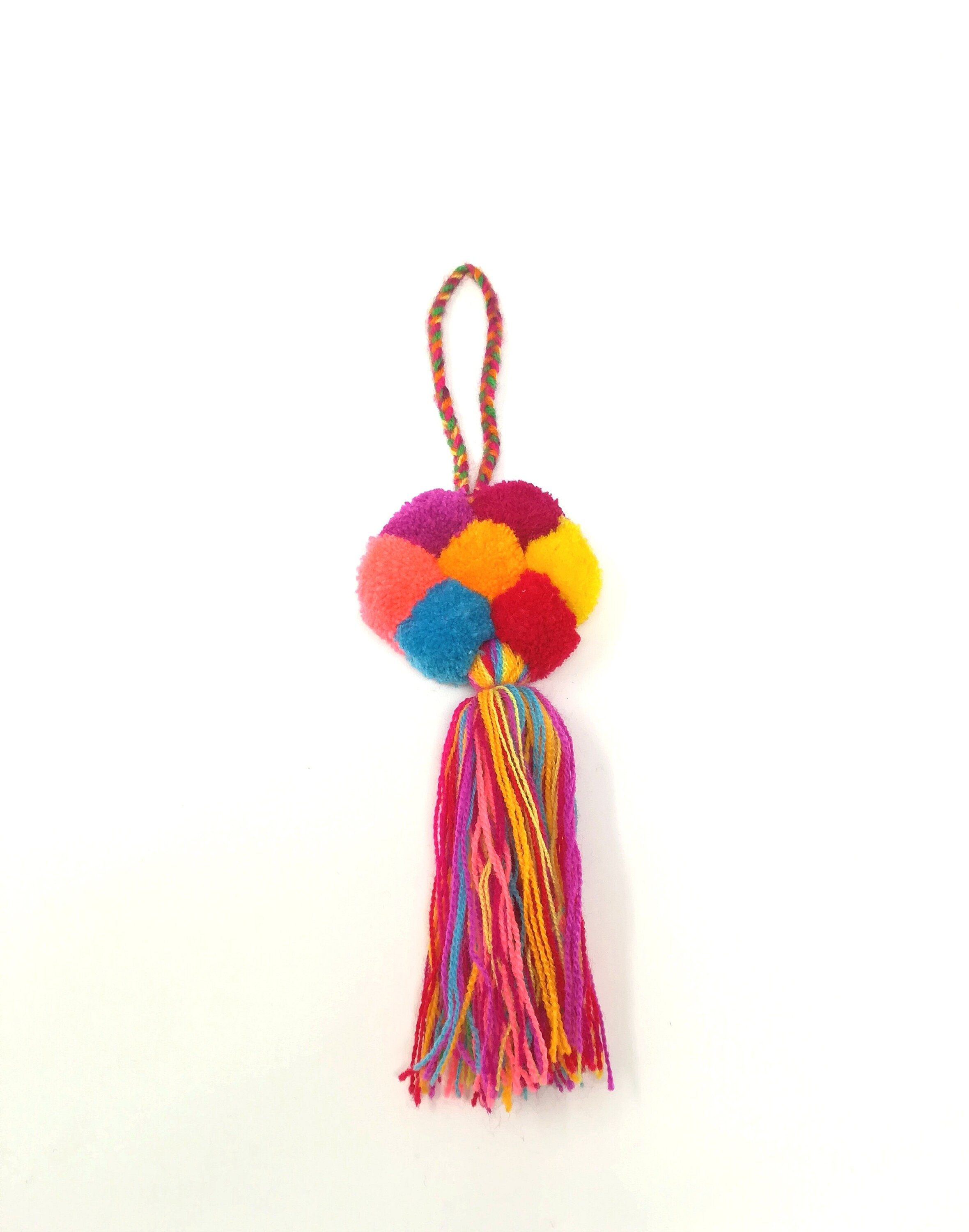 How to make jewelry with yarn pom poms for luggage