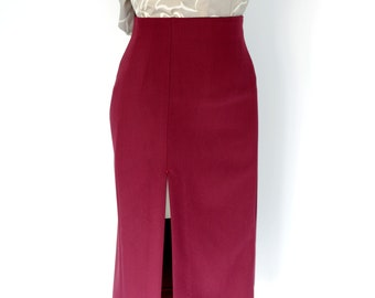 High-waist pencil skirt with a high slit in wine red, size XL