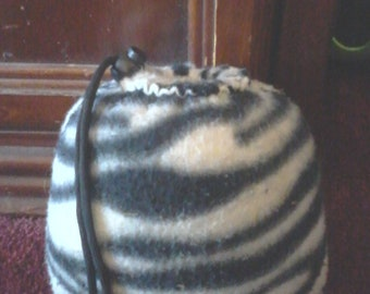 White tiger pipe pouch