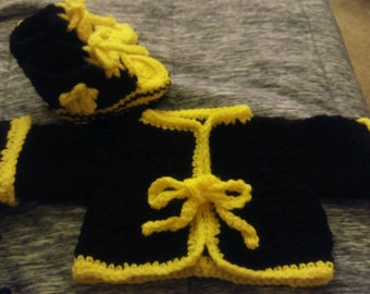Black and yellow jacket with matching booties