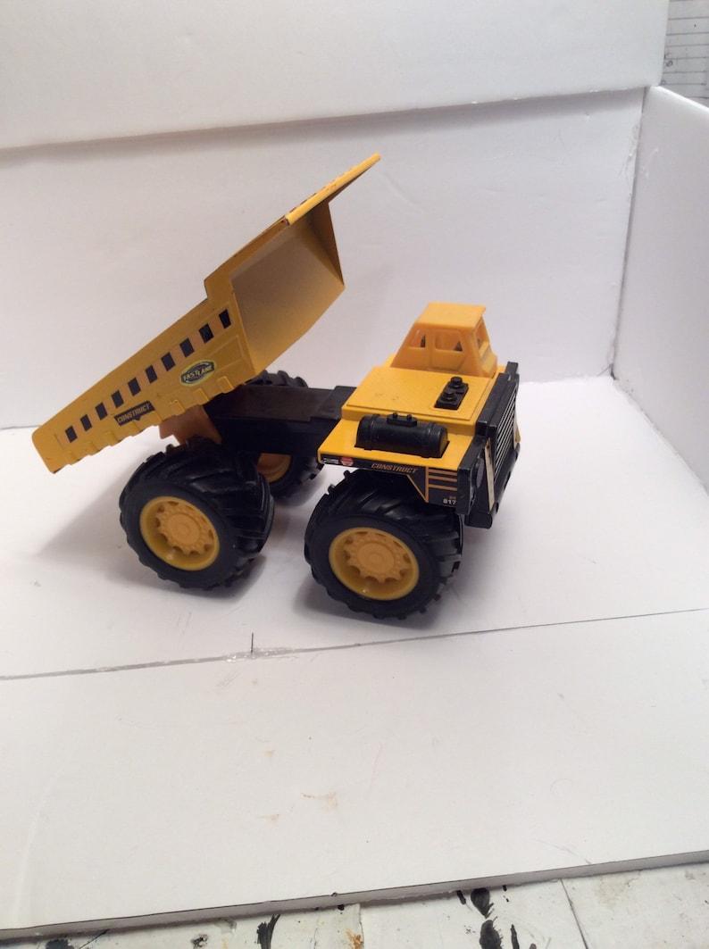 Big Construction Dump Truck....8x4.5x4