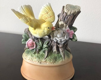 "Vintage Shafford Music Box Porcelain Bird Figurine Plays ""My Way"" Japan"