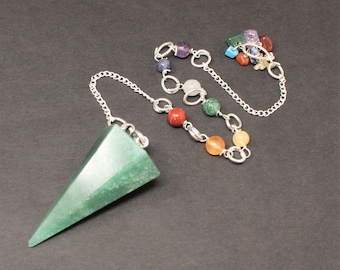 Green Aventurine Pendulum & 7 Chakra Chain, Faceted (Crystal Pendulum, Dowsing, Divination)