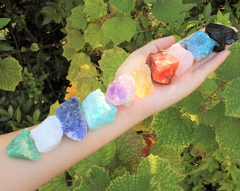 Beginners Crystal Kit, 10 pcs In Velvet Pouch - Most Popular Rough Crystals (Chakra Protection Healing Sets)