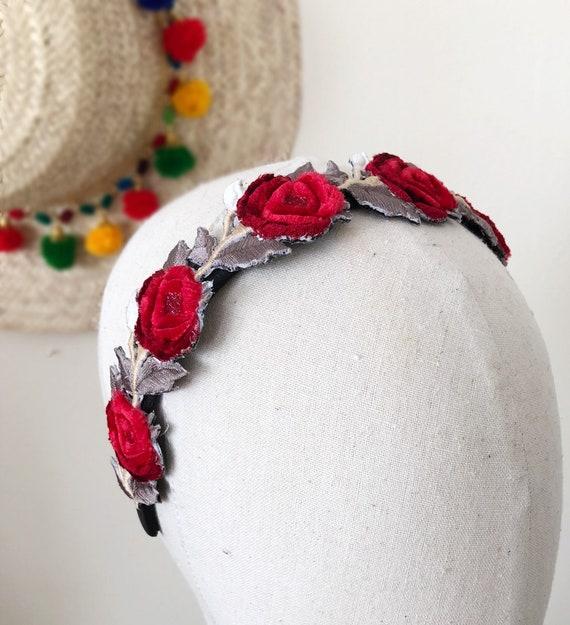 Frida Kahlo inspiré rouge velours Rose guirlande broderie bandeau bibi mariage d'été chapeau coiffe couvre-chef