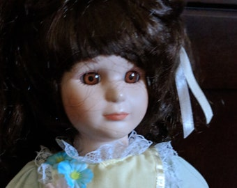 Mary Special Expressions Porcelain Vintage Doll