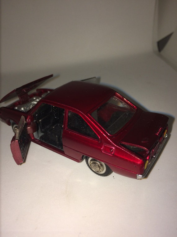 Diapet Mazda Rotary Coupe R100 1/43 Scale