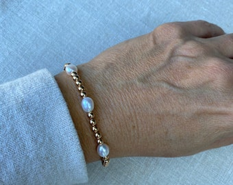 Gold ball and Freshwater pearl bracelet, 14Kt gold filled, oval freshwater pearls