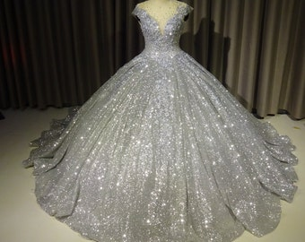 b9645f179d5 Sparkly wedding gown