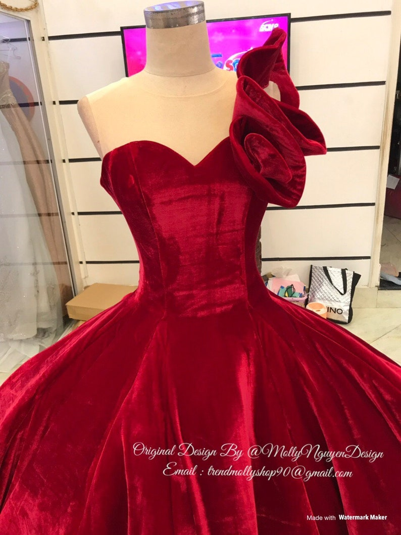 1c77644c5c Red Velvet Gown Wedding Gown Modern Evening Wear Velvet