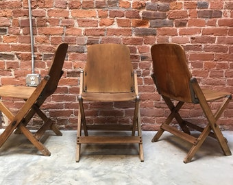 Superbe Vintage 1940s WWII Oak American Seating Company Folding Chair