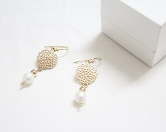 Wedding jewelry/bridesmaid gift/Gold Earrings/dangling earrings/Anniversary gift/vintage earrings/gift for her/gift for wife/unique earrings