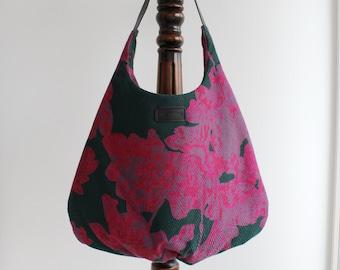 Pink shoulder bag never go without for shopping in Amsterdam big shoulder bag bag bag