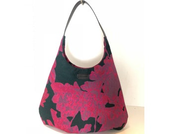 Pink shoulder bag never go without for shopping in Amsterdam big shoulder bag bag bag