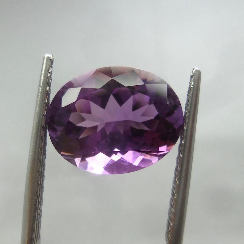 Excellent Top Quality 6.4 Carat 14x11x8 MM Natural Faceted Rare Amethyst Rwanda Mines Oval Shape Cut Stone Rwanda Amethyst Gemstone