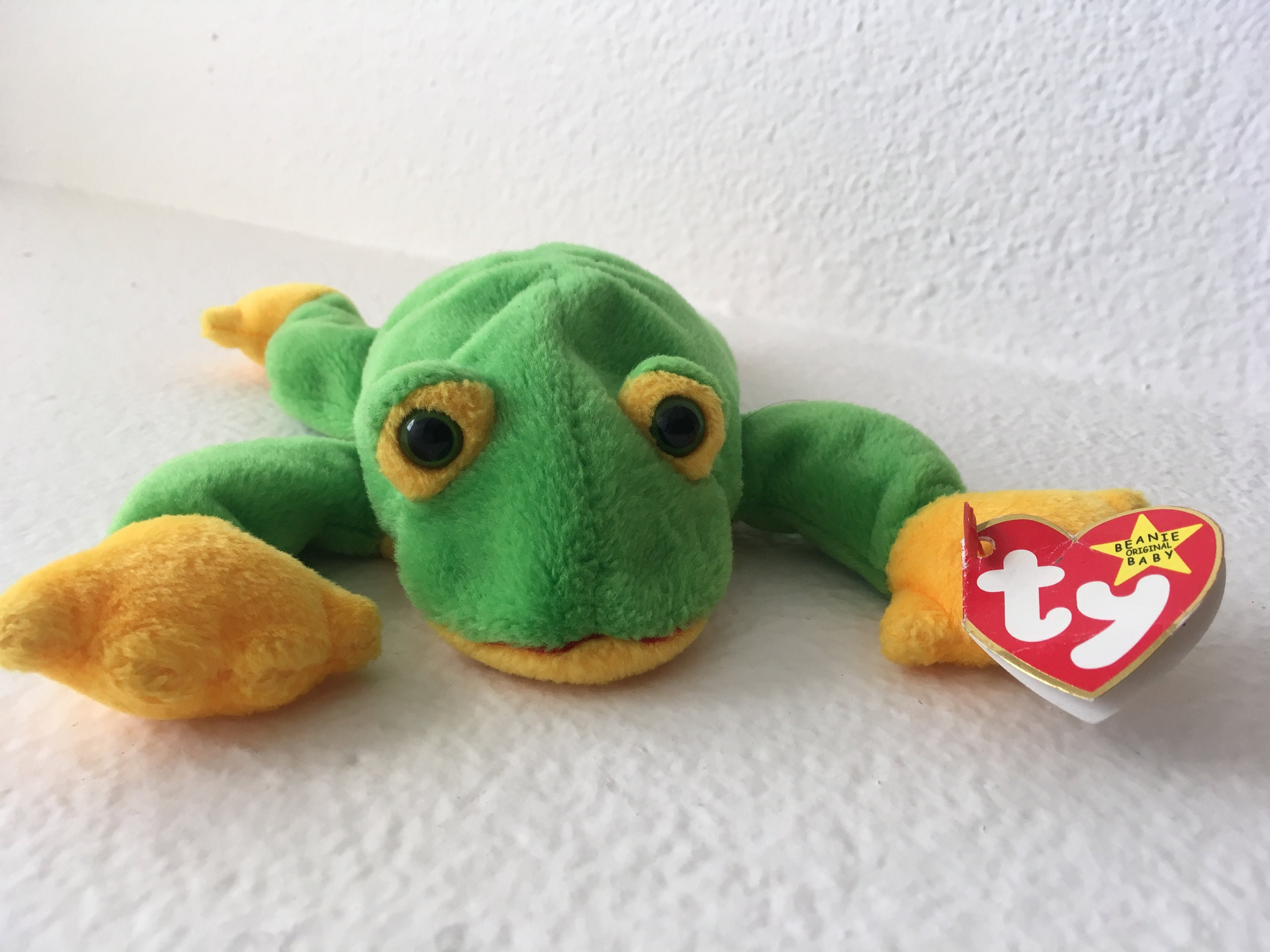 ce787acc188 Smoochy the Frog Ty Beanie Baby Collection 1997