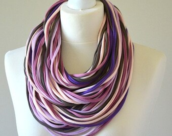 knitted necklace strings infinity