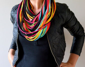 knitted necklace colorful party