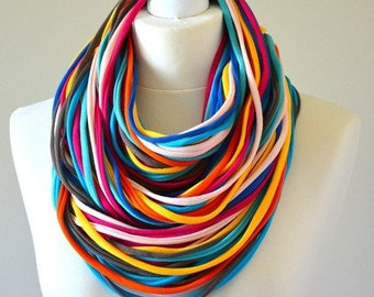 knitted necklace infinity colorful