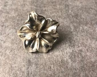 Sterling silver flower ring.
