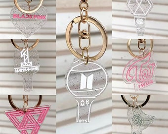 2b2cdb88ae8eee Transparent Glittered Kpop Idol Keychain BTS   Twice   Blackpink   Got7    EXO   Wanna One   Seventeen