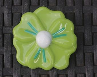 Flower brooch (green)